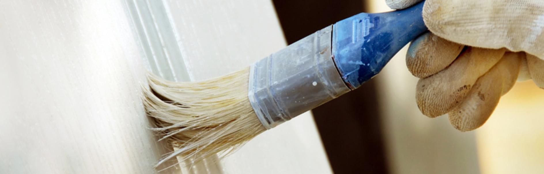 Comment Peindre Des Fenetres En Bois peindre une fenêtre en bois